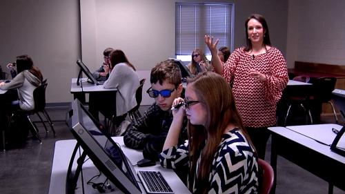 Ученици работят на zspace® - виртуална лаборатория STEM